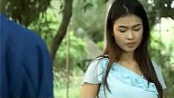 >ดูหนังโป๊ติดเรท18+ เพ้อรัก สาวไทยหีหอมถูกใจคนในหมู่บ้าน Porntube พากันมาขอเป็นชู้แอบเย็ดกันลับหลังผัว ร่านควยแบบนี้รูหีคงพรุนเพราะโดนเย็ดมาเยอะ