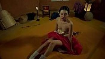 >ดูหนังโป๊ออนไลน์18+ แนวเอวีเกาหลีอีโรติก The Stud VS Eowoodong (2017) สาววังหลวงที่แอบกลับบ้านมาเย็ดกับชายคนรักที่เป็นชาวบ้านธรรมดาแต่ลีลาเย็ดระดับราชาเชียวละ