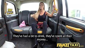 >ดูหนังxxxฝรั่งใหม่ หลอกเย็ดหีบนแท็กซี่ปลอม Fake Taxi เอานางเอกโป๊นมสวยมาเย็ดบนรถ Skyler Mckay โดนจับกระทุ้งหีด้วยมือจนเริ่มเสียว เย็ดต่อที่เบาะหลังเสียบแรงจนน้ำแตกใน