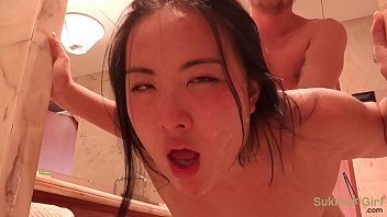 >หนังโป๊Asian 18+เด็ดๆระหว่างสาวจีนกับหนุ่มฝรั่ง ข่มขืนกันในห้องน้ำอย่างร้อนแรง Pornเย็ดหีแต่ละทีต้องลุ้นกันเลยว่าจะโดนหลั่งในไหม เสียงเย็ดโครตดังน่าจะเจ็บหีน่าดู!!