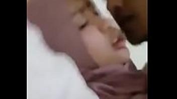 >โป๊18+ เสียงครางลั่นบ้านวัยรุ่นมุสลิม นอนเจ็บหีเพราะโดนแฟนควยใหญ่จากอินเดีย Xnxx ท่าเย็ดโครตแรงแถมซอยหีเสียงดังชัดเจน